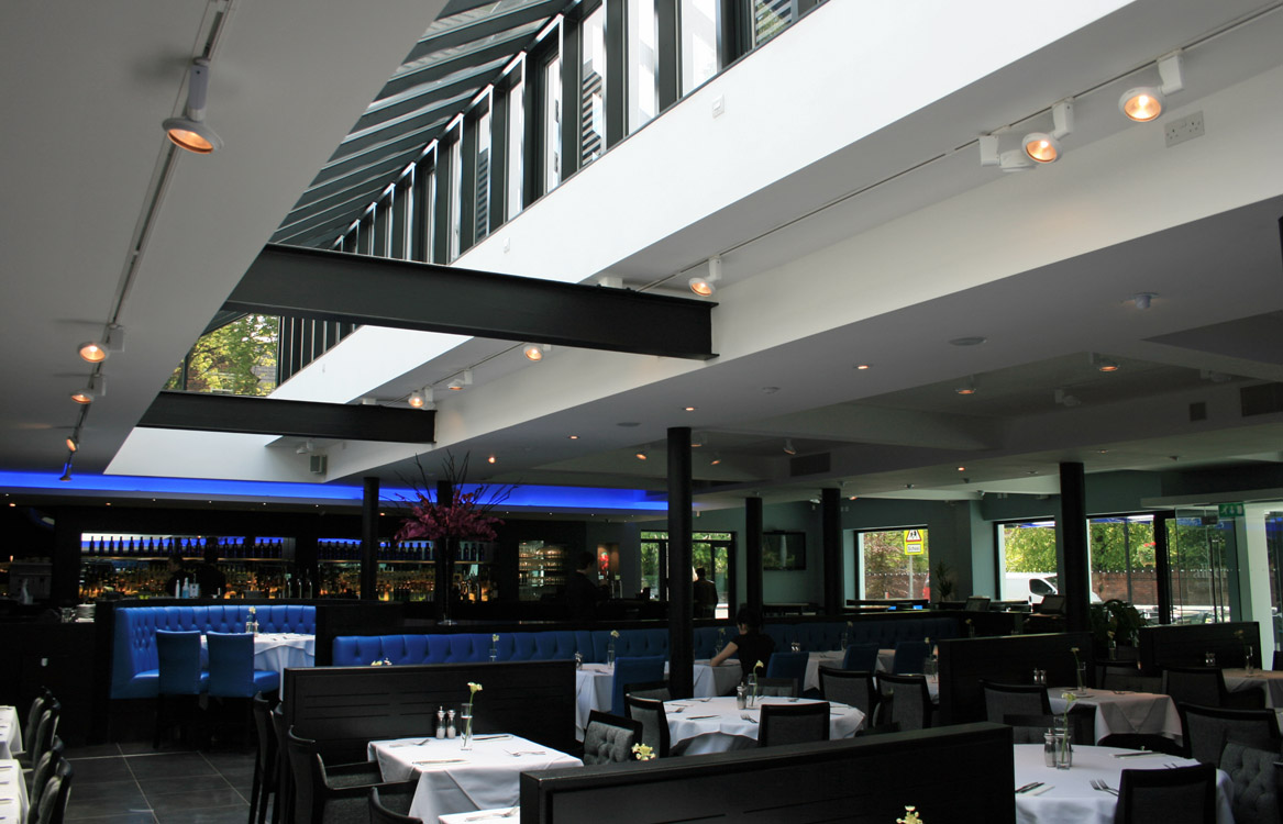 Albert's Restaurant and Bar Didsbury, Dining