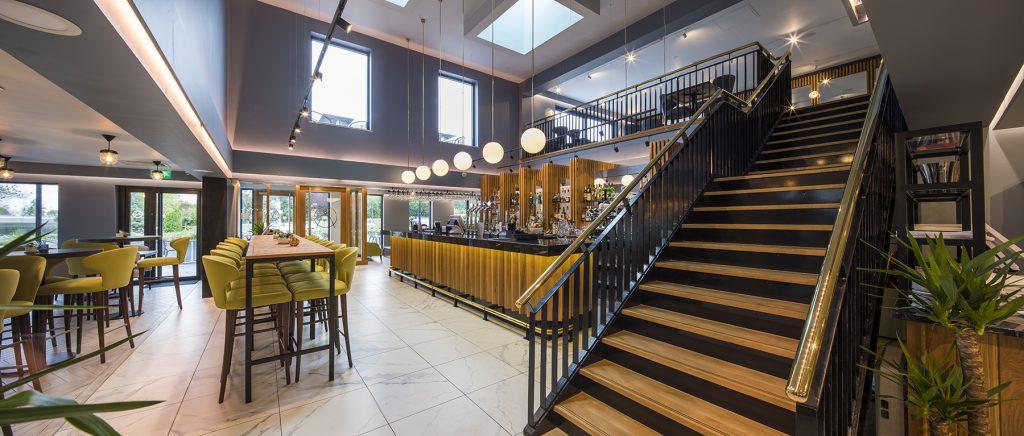 Artisan RV 6 Bar and Stairs