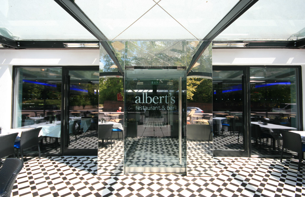 Albert's Restaurant and Bar Didsbury, Entrance