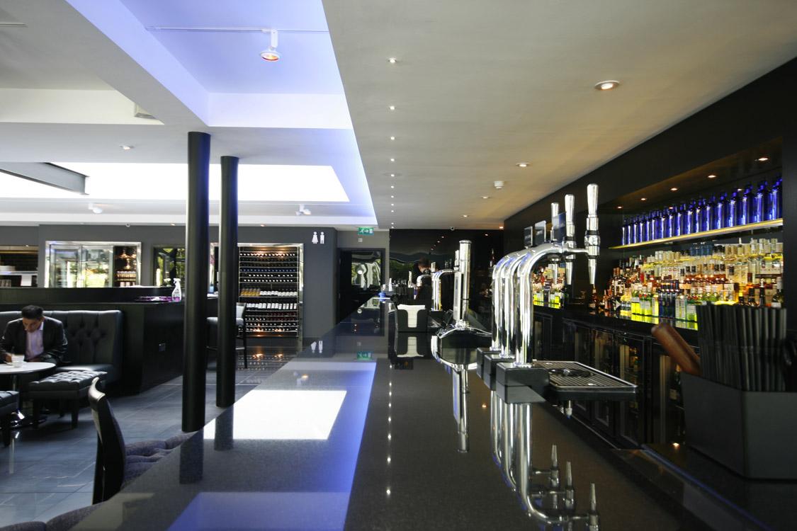 Albert's Restaurant and Bar Didsbury, Bar